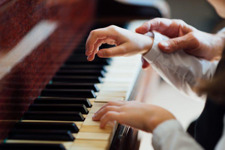 hướng dẫn tự học piano tại nhà căn bản